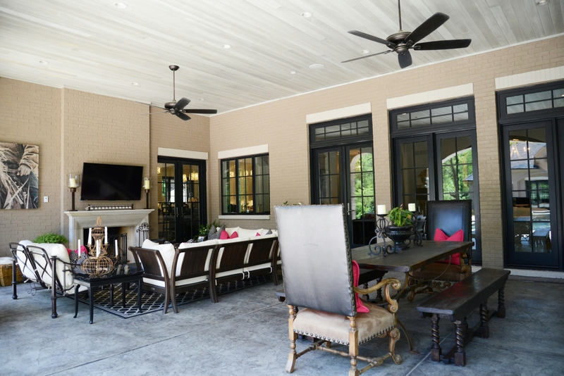 Warson Grove Outdoor Living with Ceiling Detail