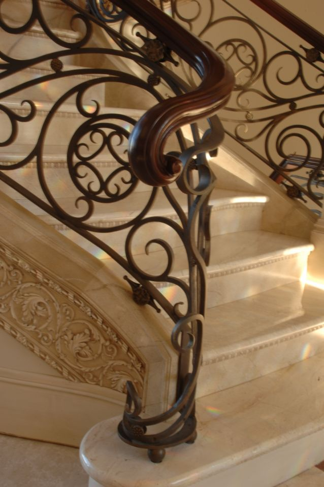 Stair Newel - Monticello