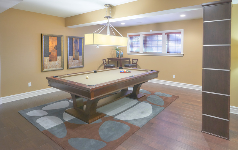 Home billiards pool hall interior design and decorating